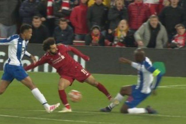 """Porto, il presidente attacca Salah dopo il fallo killer in Champions: """"Danilo ringrazi Dio"""""""