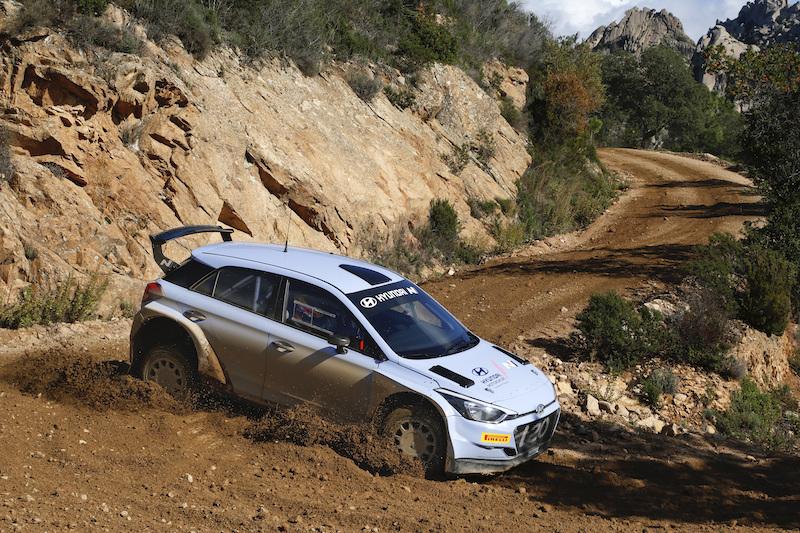 La Hyundai ha aggiornato la sua Rally2