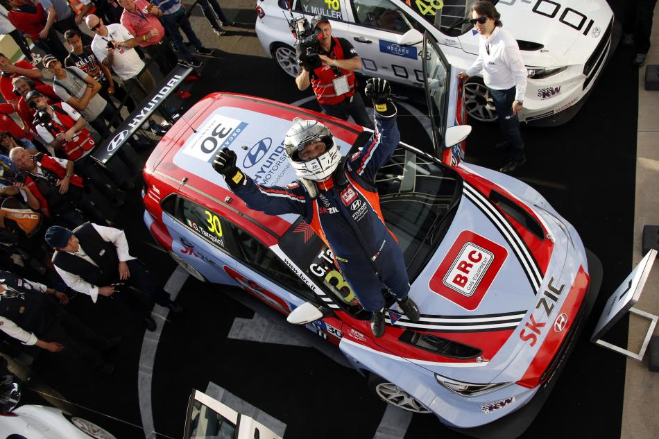 Les pilotes des Hyundai en WTCR en direct des locaux de l'équipe BRC