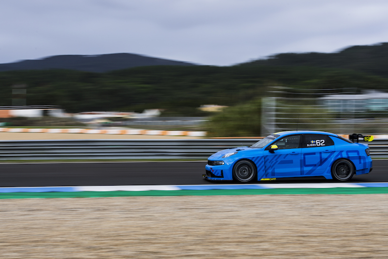 Watch Lynk & Co 03 WTCR racer on track