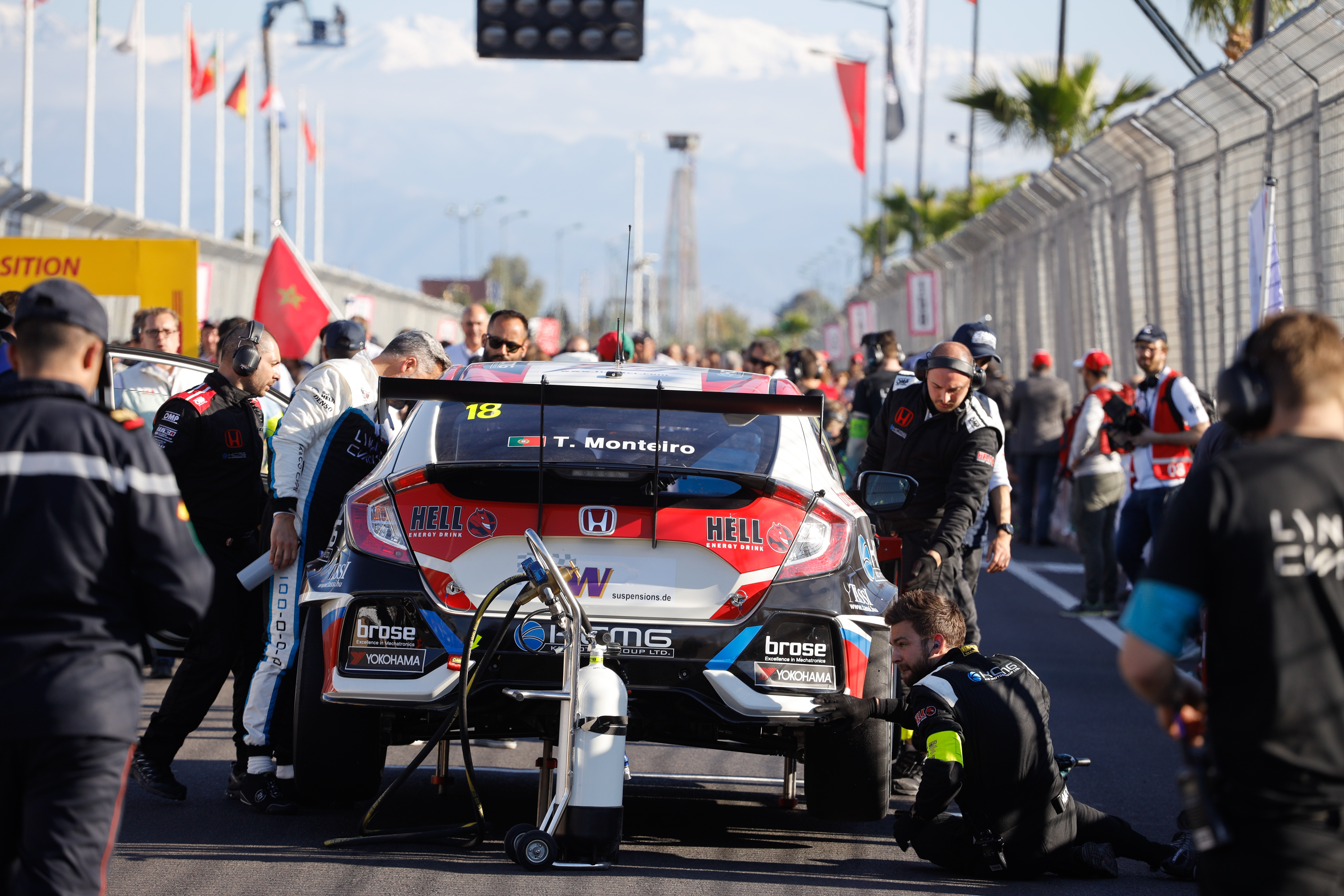 Back to normal and back at the Ring: WTCR's Monteiro keeps racing