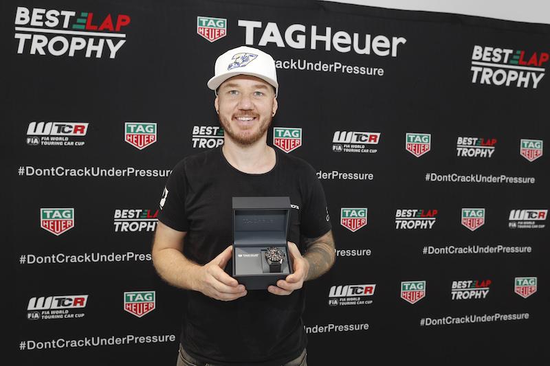 WTCRレース・オブ・チャイナのタグホイヤー・ベストラップトロフィーはハグロフが獲得