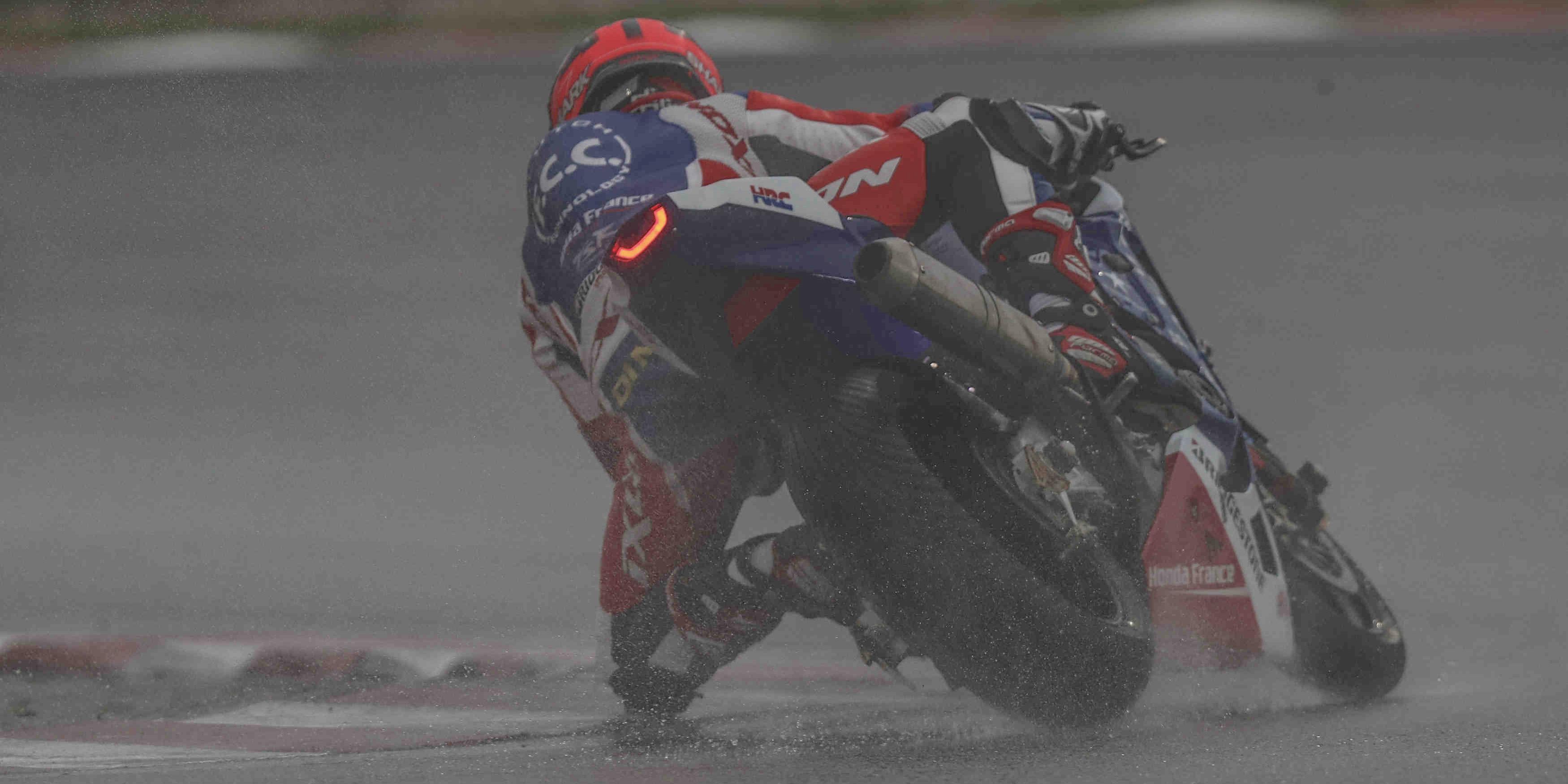 F.C.C. TSR Honda France en tête à Sepang