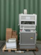Courtoy Halle R100/36 - Rotating tablet press