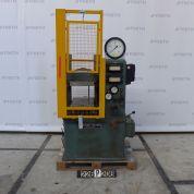 Bucher LS 35 - Presse de laboratoire