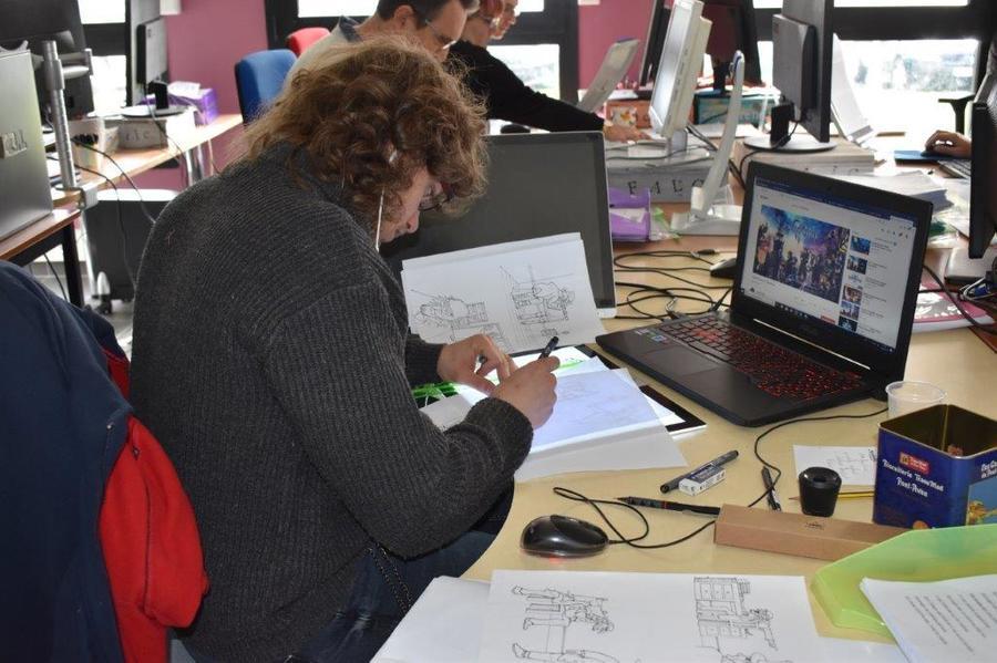 L'équipe Falc est composée de cinq transcripteurs et d'un graphiste.