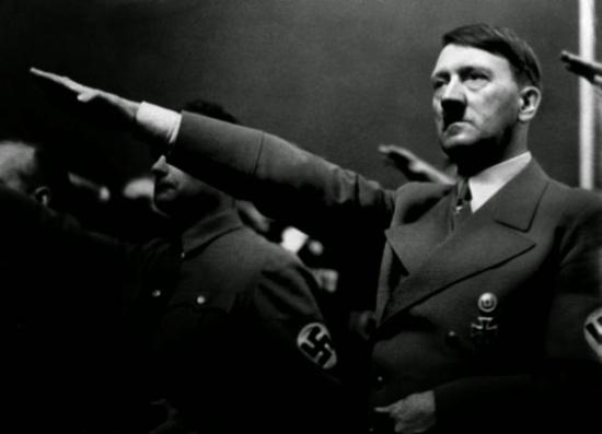 وول ستريت جورنال: لماذا تمنى هتلر لو كان مسلما؟