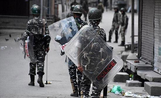 الهند تعلن بدء تخفيفها للقيود المفروضة على كشمير