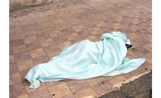 كان مع صديقته في الشقة.. شاب ينتحر بإلقاء نفسه من العمارة في دولة عربية