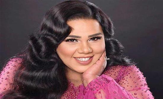 شيماء سيف تتخلى عن شعرها بالكامل وتظهر صلعاء في إطلالة صادمة لمتابعيها