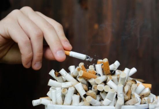 الهواري يعمم بالتشديد على منع التدخين في المؤسسات