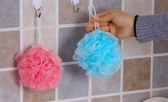 احذروها.. ليفة الاستحمام قنبلة موقوتة داخل كل حمام