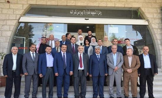 """مجلس محافظة الزرقاء يدعو """"المعلمين"""" لتغليب مصلحة الطلبة"""
