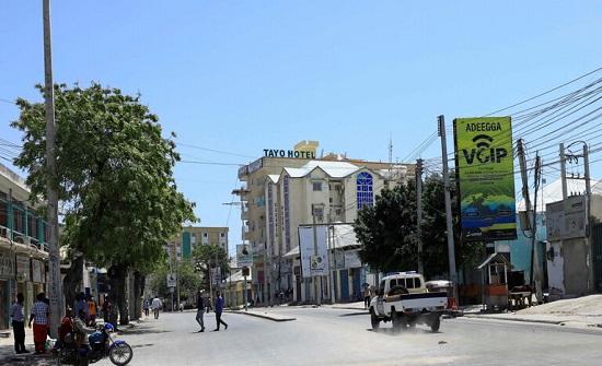 20 قتيلا على الأقل بانفجار سيارة مفخخة في مقديشو