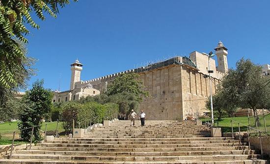 الرئيس الإسرائيلي يقتحم الحرم الإبراهيمي