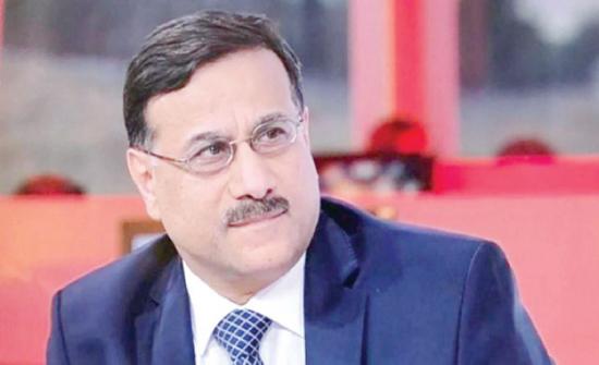 وزير المالية يطلع على إجراءات اعداد الموازنة للعام المقبل