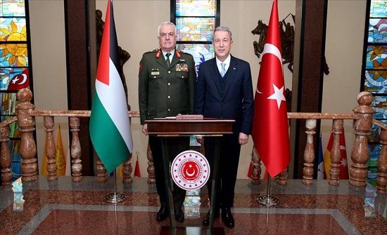 وزير الدفاع التركي يستقبل الحنيطي