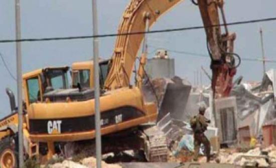 الاحتلال الاسرائيلي يهدم منشآت شمال القدس