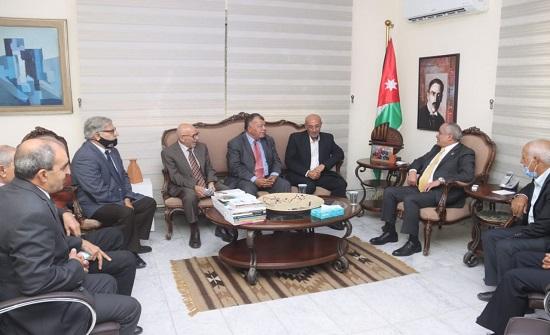 وزير الثقافة يلتقي رئيس وأعضاء اتحاد الكُتَّاب والأدباء الأردنيين