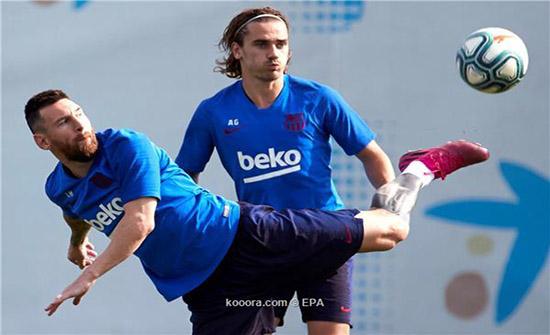 ميسي وجريزمان في التشكيلة المتوقعة لبرشلونة ضد خيتافي