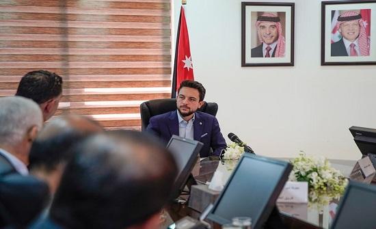 بالفيديو والصور : الامير حسين يزور وزارة العمل