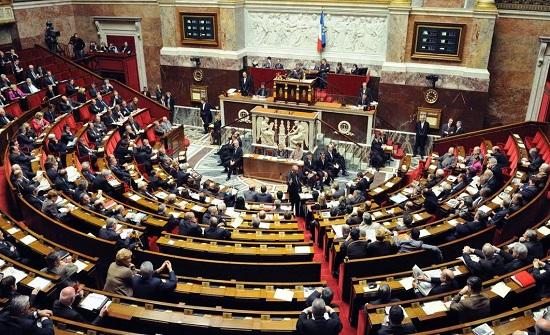 فرنسا تكشف عن مشروع قانون استخبارات جديد لمكافحة الإرهاب