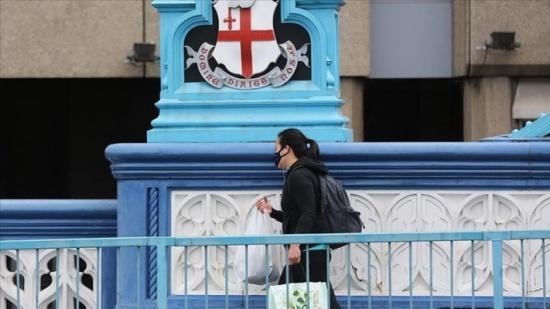 بريطانيا: وفاة موظفة بمحطة قطارات بعدما بصق عليها مصاب بكورونا