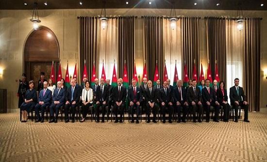 استطلاع: 44 % من الأردنيين يعتقدون بقدرة الحكومة على تنفيذ خطة تحفيز الاقتصاد الوطني