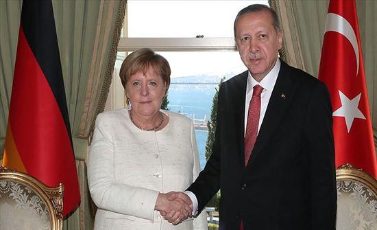أردوغان وميركل يبحثان التطورات في القوقاز وشرقي المتوسط