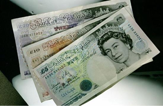 ارتفاع الجنيه الإسترليني أمام الدولار واليورو