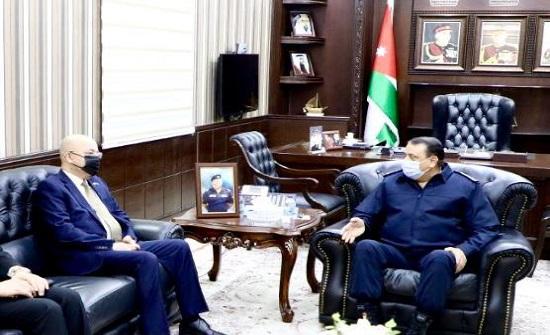مدير الامن العام يلتقي السفير العراقي