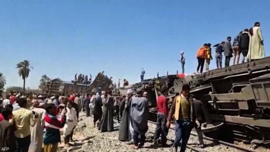 كارثة قطاري سوهاج.. النائب العام يأمر بحبس 8 أشخاص