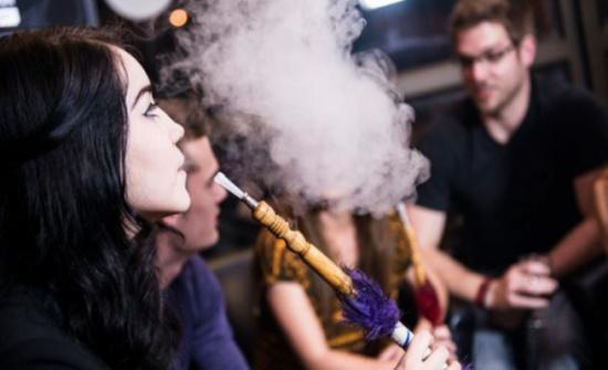 تدخين الارجيلة لـ45 دقيقة قد يعطل عمل الرئة