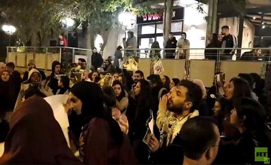 الشرطة الإسرائيلية تقمع مظاهرة مؤيدة لغزة في القدس (فيديو)