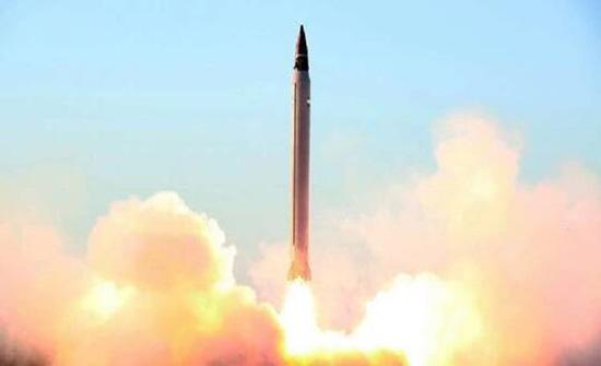 """شاهد : إيران تنشر فيديو للهجوم الصاروخي على القوات الأمريكية في """"عين الأسد"""" بالعراق"""