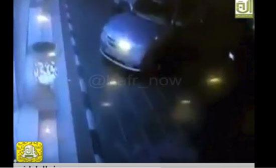 العناية الإلهية تنقذ امرأة من حادث دهس مروع (فيديو)