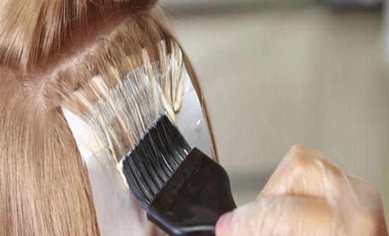 الزرقاء: ضبط 231 عبوة صبغات شعر فاسدة