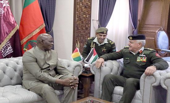 الحنيطي يستقبل رئيس الأركان العامة للقوات المسلحة الغينية