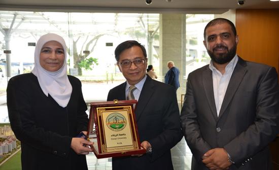 جامعة الزرقاء تشارك في المؤتمر الدولي للرياضيات التطبيقة والعلوم في سنغافورة