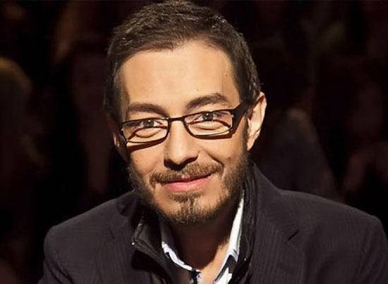 شاهد رد فعل أحمد زاهر عند سؤاله عن تمثيل بناته مشاهد ساخنة!
