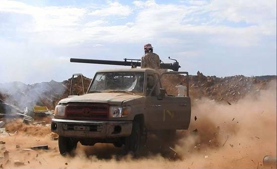 بدعم من التحالف.. الجيش الوطني يستعيد مواقع جديدة بصعدة