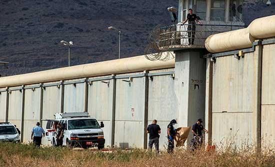 """مصادر تنفي دخول الأسرى الفارين من سجن """"جلبوع"""" إلى الاردن"""