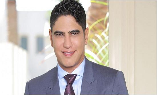 نجل أحمد أبو هشيمة يصدم الجمهور.. شاب يلعب في نادي الأهلي! (فيديو)