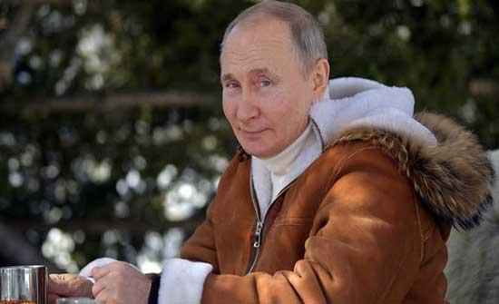 الكرملين: لن نعلن اسم لقاح كورونا الذي سيتلقاه بوتين