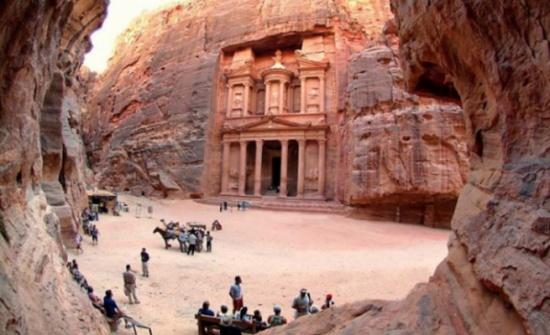 2ر3 مليار الدخل السياحي وعدد السياح 3 ملايين لنهاية تموز