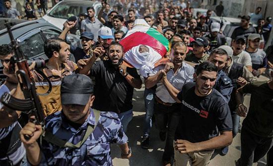 بالفيديو : غزة تشيع شهداء الشرطة وسط مطالبات بكشف الجناة
