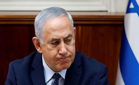 """نتانياهو يناور بـ""""حكومة الوحدة"""".. والهدف تجنب السجن"""