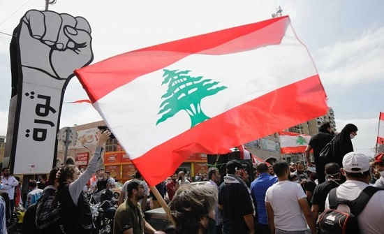 ما هي أسباب الانهيار الاقتصادي في لبنان وهل من حلول متاحة للأزمة؟