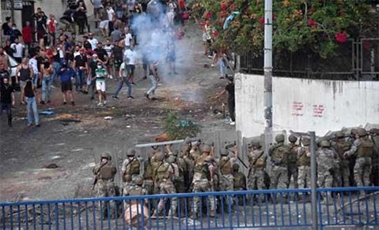 لبنان: سقوط جرحى بمواجهات بين الجيش ومحتجين في طرابلس