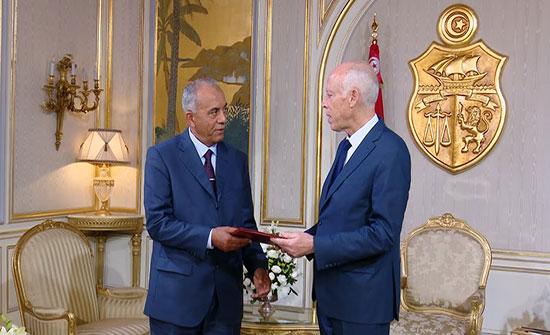رئيس الحكومة التونسي المكلف يقدم وعودا للشعب